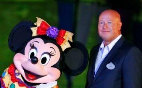 迪士尼高管大规模降薪,新任CEO降薪50%